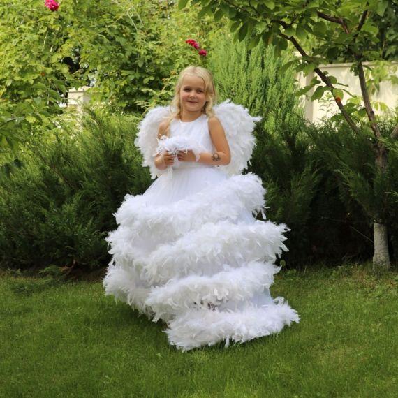 АНЖЕЛИКА роскошное платье с боа